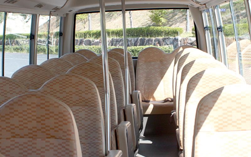送迎バス 大型バス03 貸切バスのご提案 平和コーポレーション株式会社
